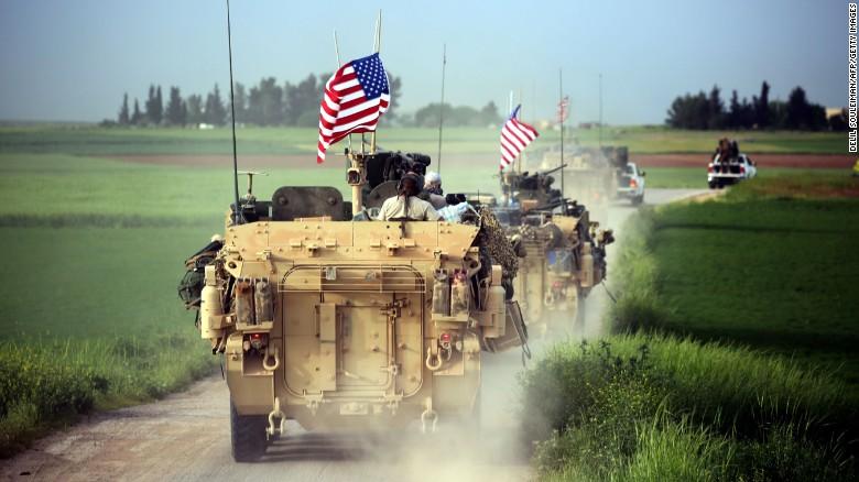 シリア.トルコ国境での米軍部隊.jpg