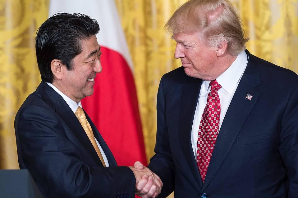 安倍首相とトランプ.jpg