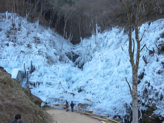 芦ヶ久保の氷.jpg